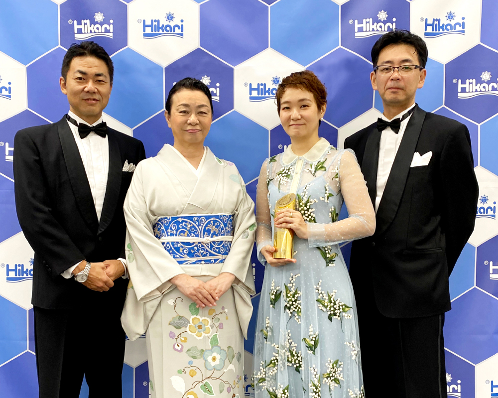 為 Hikari 高夠力二度榮獲『年度品牌大獎』喝采!